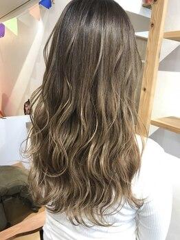 アモヘアー 城山店(amo hair)の写真/【城山/ザビッグ近く】話題の【ケアブリーチ】で、気になるダメージを抑え艶と透明感のある髪色にチェンジ