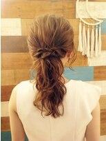 アカラ ヘアアンドメイク 六本木(Akala hair&make)毛量が少なくても大丈夫!女っぽさUPのポニーテール