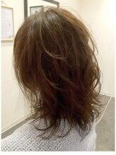ヘアアンドメイク 文月(Hair&Make)エアリーなマットカラーとお顔周りのデザインカラー