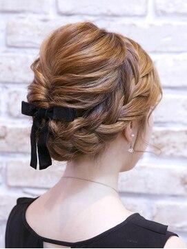 伸ばしかけの前髪アレンジの方法10選と前髪の切り方