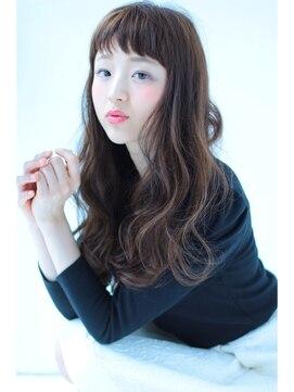 【年代別】おすすめの黒髪のロングパーマの髪型|10代/20代