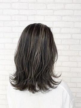 ビス ヘア アンド ビューティー 西新井店(Vis Hair&Beauty)10代20代アッシュグレー×ハイライトで透明感♪