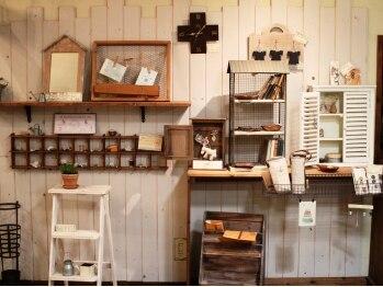 クロリス (CHLORIS)の写真/《徳重駅より徒歩約5分♪》手造りの家具と、オシャレなインテリアが並ぶ、カフェのような素敵なサロン★