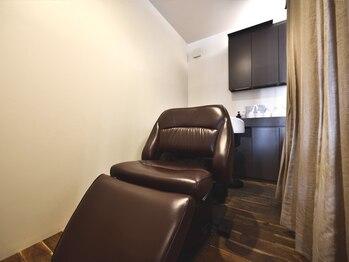 ラシャヘア(raxa hair)の写真/【COTAエヴァーリーフの生炭酸】と【フルフラットチェアでの個室空間】15分・30分・60分お好きなだけ。