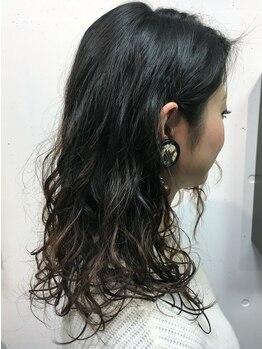 ヘアーサロンエルフォルグ(Hair Salon Erfolg)の写真/一人ひとり違うダメージ・髪質に合わせた薬剤選定。丁寧にカウンセリングしダメージレスにこだわります♪