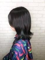 ヘアメイク シュシュ(Hair make chou chou)ブルーブラック×インナーカラー外ハネボブ