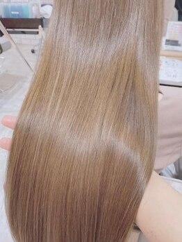 クオラバイガネイシャ(Cuora by ganesha)の写真/【髪質改善サロン◆】くせ・うねりの髪質改善スペシャリストが在籍♪自然体で柔らかくなめらかな髪に♪