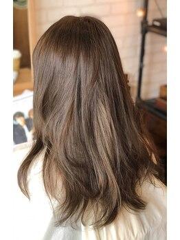 ルーツヘアーデザイン(ROOTS HAIR DESIGN)の写真/数種類の薬剤を、髪のクセの強さやなりたい質感に合わせてチョイス・調合!ダメージ毛にもご対応致します☆