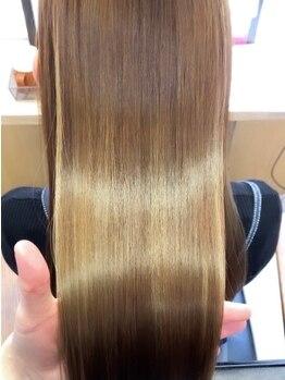 シェス(shes)の写真/[Aujua取扱]髪質改善ができるサロン☆一人ひとりのライフスタイルや髪質に合わせたパーソナルケアをご提案!