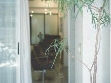 シアン(CYAN)の雰囲気(静かな裏通りの隠れ家サロン。ゆっくりと、ゆるやかな時間を…。)