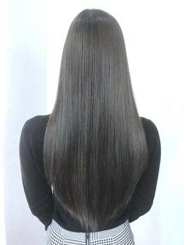 ヘアーリゾート ライフ(Hair Resort LIFE)の写真/《東口徒歩2分》【キラ髪縮毛矯正+カット¥6900】ナチュラルなストレートヘアで、飾らないRelax感を演出♪
