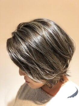 ブロス ザ ヘアー(bros.THE HAIR)の写真/上品な発色、 ダメージも抑えたカラーデザイン☆パッと目をひくツヤ髪が、日常にドラマを呼び寄せる♪