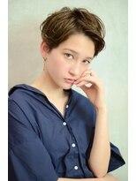 ベック ヘアサロン(BEKKU hair salon)明るめアッシュブラウンで魅せる、柔らかアップパングショート