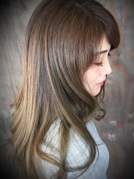 アンプヘアー(A・M・P hair)の写真/【全員/縮毛矯正&カット&トリートメント¥13500!】綺麗なストレートでしっとり柔らかな手触りに♪