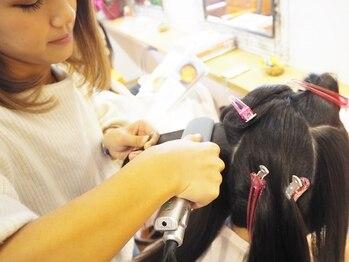 リワール 縮毛矯正専門店の写真/経験豊富なStylistがあなたの髪に合った施術をご提案!!気になるクセ・うねりのお悩み解消し万能ヘアに☆