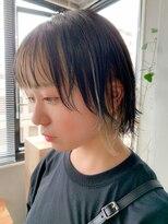 テトヘアー(teto hair)前髪インナーカラー、ブロンド、グレー、ボブウルフ