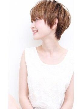 キャロル(CAROL)簡単スタイリングショートヘアスタイル