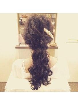 ブルームヘアー(BLOOM hair)ナチュラルヘアアレンジ