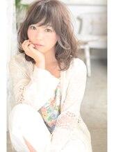 シェア(SHARE)【SHARE】☆ゆるパーマが人気のフェミニンミディアム☆