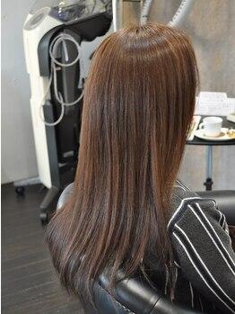 サックスヘアー(Saks hair)の写真/ダメージレスで自然なグレーカラーを実現!【リダクションカラー】で印象が良くなるカラースタイルが叶う♪