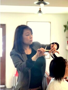 ココヘアーデザイン(COCO HAIRDESIGN)の写真/高い技術で実力派女性stylistがあなただけの理想スタイルをご提案◎女性目線で第一印象をプロデュース◇