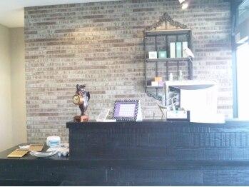 リファイン 羽村店の写真/丁寧な施術のリファインのMENUをスペシャル価格で♪豊富な薬剤から、スタイルに合うものを提案してくれます