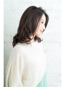 井川遥さん風髪型!穏やかニュアンスカールロング
