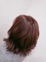 バース(BIRTH)ピンクを効かせた髪色とフェミニンカール