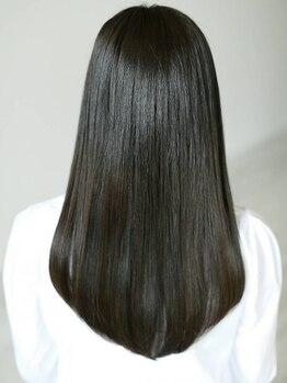 """パティナベール (Patina Veil)の写真/トリートメントのリピート率が高い""""Patina Veil""""で、パサつきを抑えずっと触っていたくなる髪に♪"""