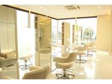 ジャスミー 浜松有玉店(HAIR&BEAUTY Jusme)の雰囲気(白を基調とした清潔感のある店内で、美を引き出します☆)