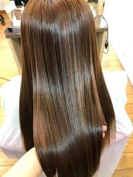 ワンポイントレガーレ(ONE POINT LEGARE)の写真/髪質改善を叶える≪サブリミック酸熱トリートメント≫取扱い◎内部から栄養を定着させ、ツヤ髪をKEEP!