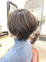 エトネ ヘアーサロン 仙台駅前(eTONe hair salon)【30代から40代にオススメ】くびれのある大人ショート