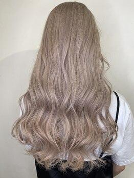 ラピス 千葉(Lapis)の写真/Lapis千葉店OPEN☆ハイトーンカラーもトップクラスの技術力で透き通るような髪に♪最高級エクステもご用意
