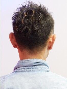 """ヘアーアンドスパ ヴォーグ(HAIR&SPA VOGUE)の写真/【豊中.・曽根】スタイルはもちろん、""""眉・ヒゲ・顔剃り""""なども充実◎マッサージで仕事の疲れもスッキリ!"""