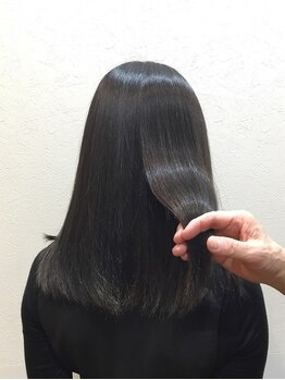 ICH・GO 東中野店の写真/【《髪質改善》オーガニック白髪染め(フル)前処理TR付き¥5170】ダメージを感じさせない理想のツヤ髪へ♪