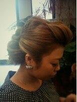 ヘア デザイン スタイリー(Hair Design stylee)夜会巻き風&ポンパ