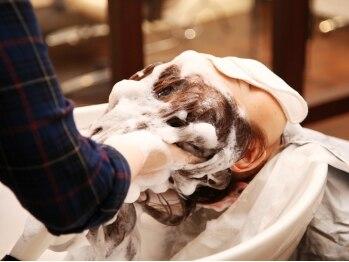 トリビュート(Tribeaut)の写真/カットのついでに頭皮ケア!健やかな頭皮環境へ♪地肌に潤いを◎【カット+ヘッドスパ★¥5580⇒¥4500】