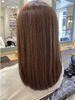 リーフ ヘアアンドリラクーゼーション(Leaf hair&relaxation)の写真/ダメージヘアを修復し、髪の芯からハリ・コシ・ツヤ髪になれると人気の【最高級☆TOKIOトリートメント】