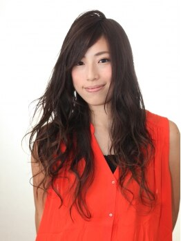 グレイス(Grace)の写真/アナタの髪質合わせた幅広いダメージレスなナノパーマ!カラーOK!風に揺れるツヤツヤ立体カールは◎