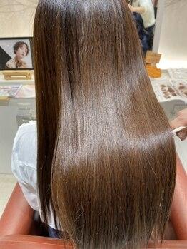 カナウ 綾瀬店(CANOW)の写真/【綾瀬駅徒歩3分】ブリーチ毛にも対応できる低ダメージの縮毛矯正で、柔らかな仕上がりに◎