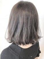 フレイムスヘアデザイン(FRAMES hair design)外ハネ+内巻きワンカールボブ×透け感グレージュ