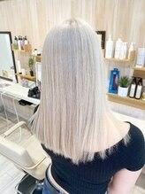 アンフェリール 磐田店(Em Fellir)White blonde