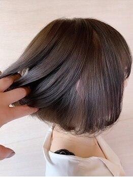 リコモ(Likkle More)の写真/一人ひとりの骨格、髪質に似合わせるカット技術でどこから見ても綺麗なヘアスタイルに♪