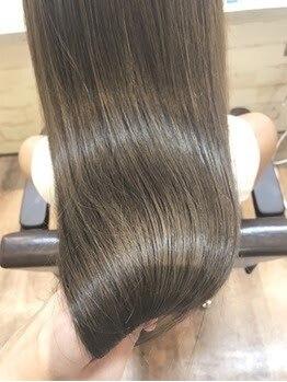 フィックス ヘアー(FIX hair)の写真/【前髪縮毛矯正¥2980/縮毛矯正¥4980】オイルをたっぷり配合オーガニック薬剤を使用でダメージレス♪