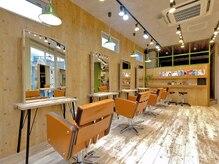 アグ ヘアー シアン 高槻店(Agu hair cyan)の雰囲気(落ち着いたシックな空間。ゆったり寛げます。)
