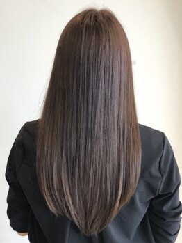 アレクサンドル オブ カラーズ トヤマ(ALEXANDRE OF COLORS TOYAMA)の写真/【掛尾】おさまりが良くスタイリングしやすい◎伸びてきたクセもナチュラルケア♪極上の艶&サラサラ髪に!