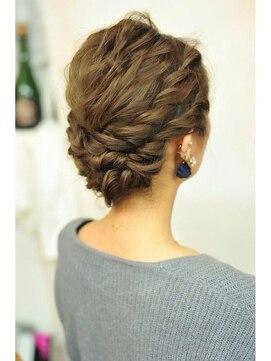 結婚式 髪型 くるりんぱ ヘアアレンジゆる編みアップ