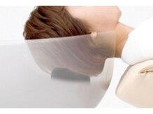 安全で快適なシャンプーを追求し、お客様にその良さを実感していただける枕の付いたシャンプーボウルです。