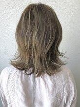 アルモ ヘアデザイン 東静岡(ALMO hair design)【ALMO】ハイライトで作るパールベージュ