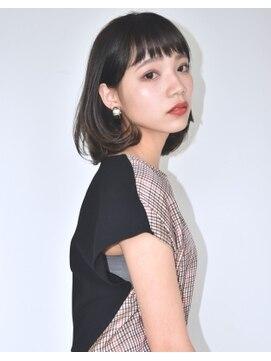 バロン 新宿店(baLon.)黒髪 クラシカル×モード ワイドバング耳かけボブ